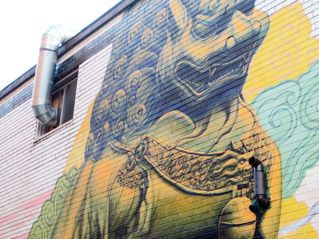 new-mural-on-dundas-street-toronto