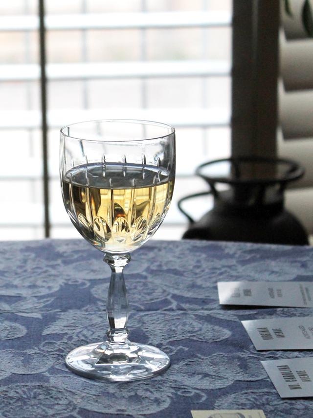 glass-of-rjs-craft-winemaking-white-wine