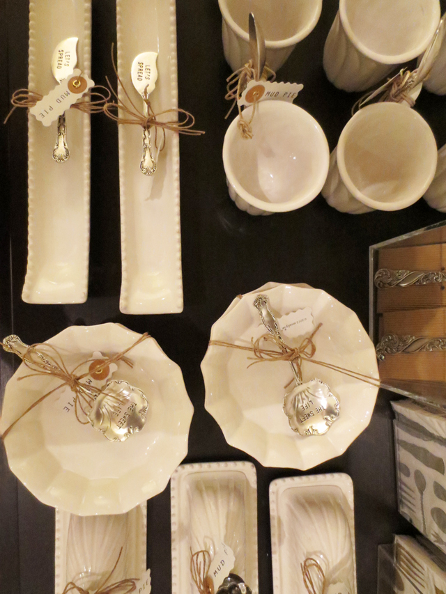 serving-dishes-and-utensils-at-ago-giftshop