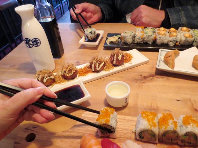sushi-lunch-at-saku-on-queen-street-west-toronto