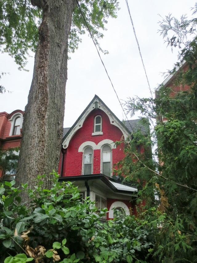 a-red-house-on-grange-avenue-toronto
