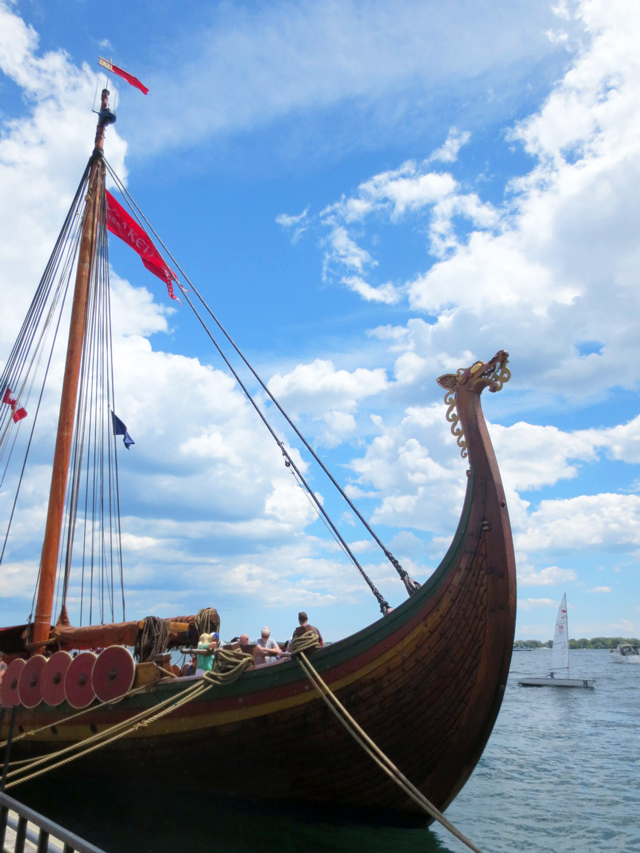 tall-ship-viking-longship-reproduction-on-toronto-waterfront