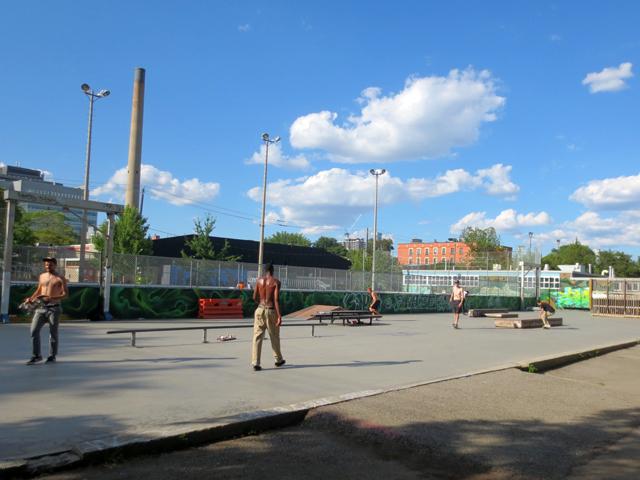 dunbat-skateboard-park-toronto