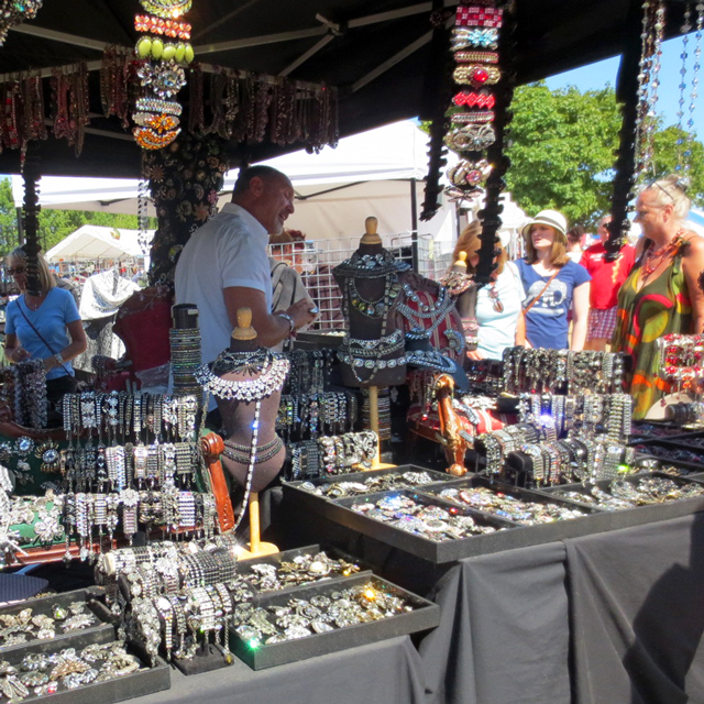 vintage-jewellery-at-kempenfest-barrie-ontario