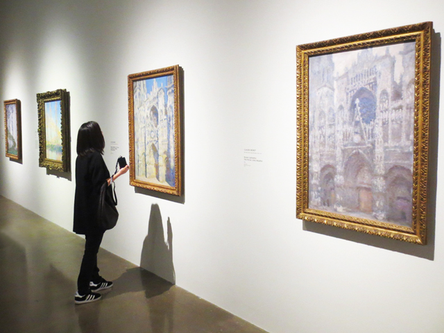looking-at-monet-paintings-ago-toronto-mystical-landscapes-exhibition