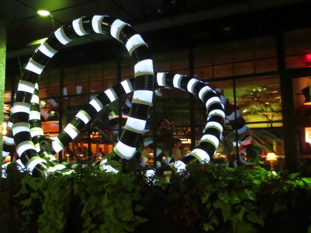 white-line-art-installation-nuit-blanche-toronto