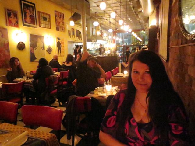 at-la-palette-restaurant-queen-street-west-toronto