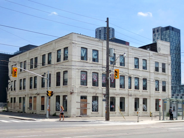 historic-building-before-being-demolished-toronto-bathurst-street-and-niagara-street