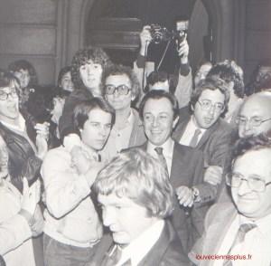 A Conflans Ste Honorine, le 19 octobre 1980 quelques instants après s'être déclaré candidat à l'élection présidentielle