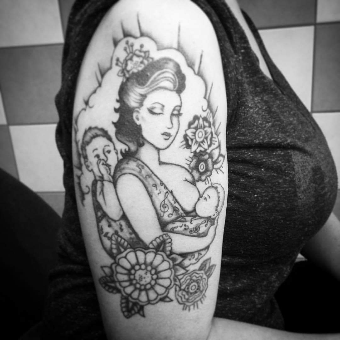 Oermoeder tatoeage