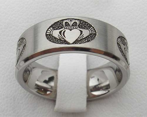 Mens Claddagh Wedding Ring  LOVE2HAVE in the UK