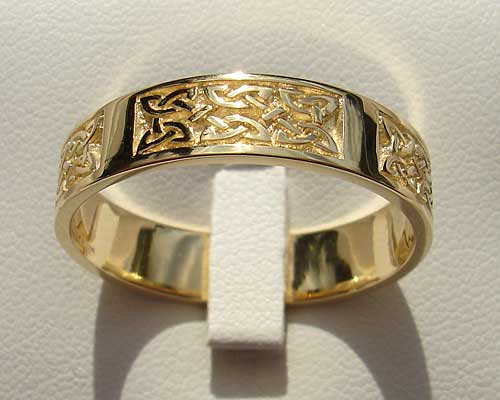 Scottish Celtic Knot Gold Wedding Ring ONLINE in the UK