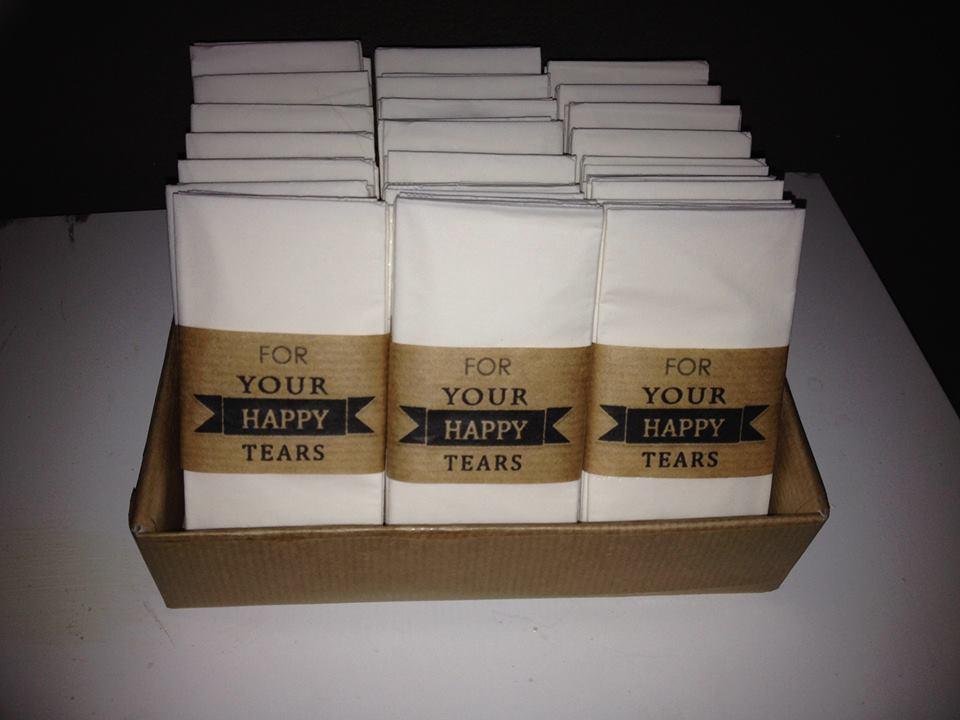 DIY Zakdoekjes voor trouwerij  Bruiloft For Your Happy tears