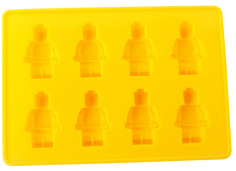 DIY Traktatie Legopoppetjes / Legomannetjes van Fimo klei. Met zelfgemaakte kralen met de houtbrander van de Action. Traktatie 5 jaar www.love2try.nl
