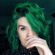 glamorous green hairstyle ideas