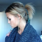 simple & cute messy ponytail