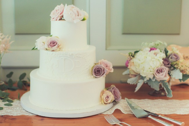 Guide To Wedding Cake Styles Shapes And Icing
