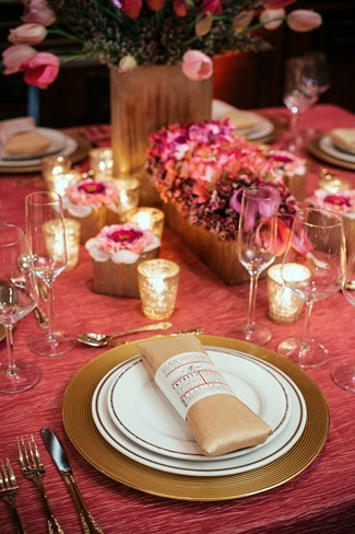 mr and mrs chair signs old hickory chairs antique pink romantic styled shoot at maggiano's restaurant