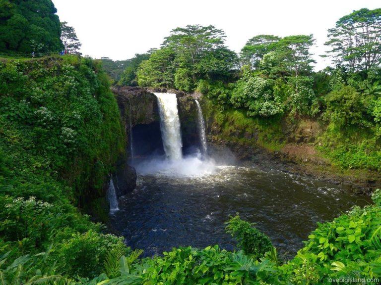 Akaka Falls Wallpaper Rainbow Falls Waiānuenue In Hilo Big Island Hawai I