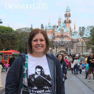 Planning a Vacation to Disneyland {tips, tricks, and free planning DVD}