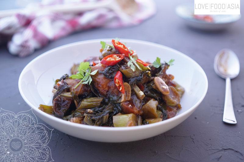 Crispy Pork Belly with Chinese Broccoli (Pad Pak Kana Moo Krob)
