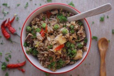 Khmer Reis mit Räuchertofu und Gemüse