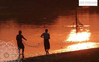 Fischer mit Netz in Amarapura