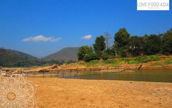 Eine Brücke am Mekong in Lang Prabang
