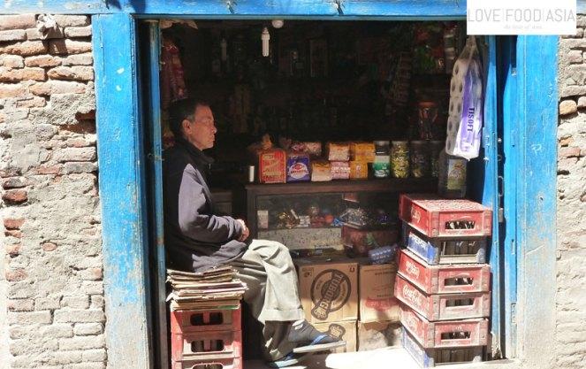 Kleiner Lebensmittelladen in Pokhara