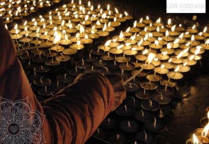 Kerzen in Kathmandu