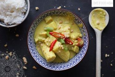 Gelbes Thaicurry mit Hähnchen