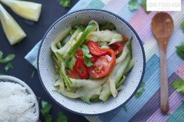 Tum Mak DangSchrfer Gurkensalat aus Laos (Tum Mak Dang)