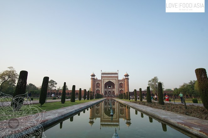 Am Taj Mahal