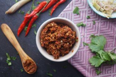 Hausgemachte Rote Currypaste