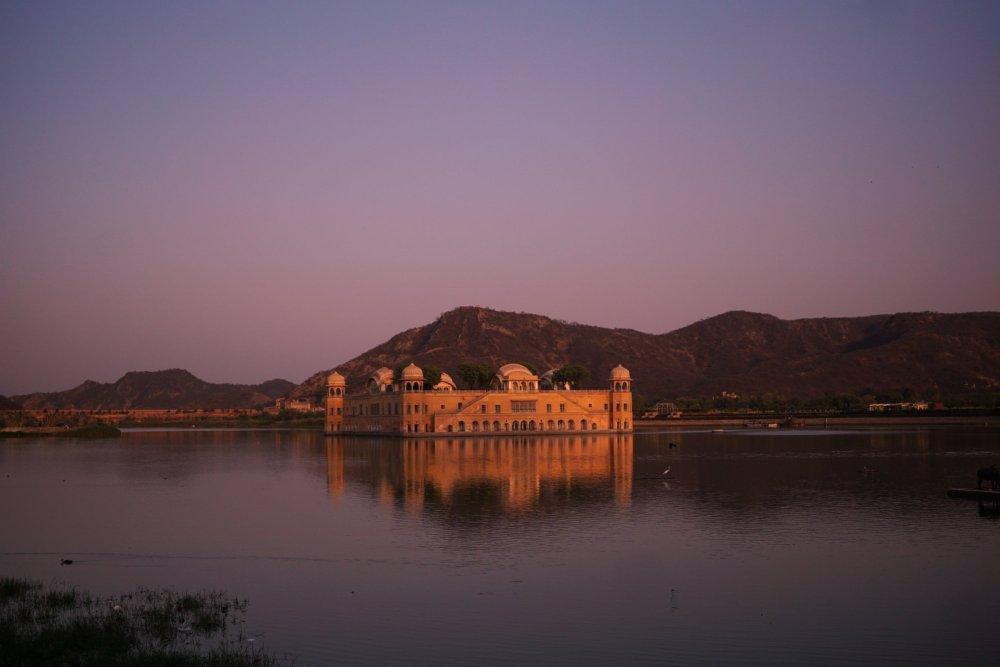 Jai Mahal bei Sonnenuntergang