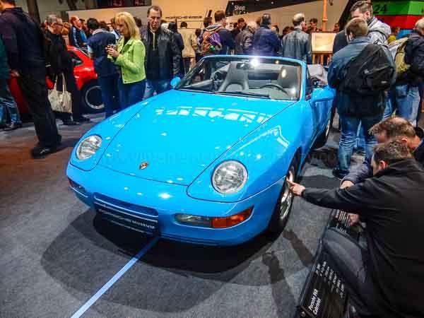 Porsche celebrates 40 years transaxle at RetroClassics 2016