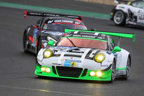 Porsche 911 GT3 R, Manthey Racing: Jörg Bergmeister, Michael Christensen, Richard Lietz, Frederic Makowiecki