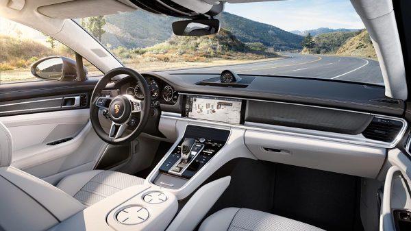 Cockpit Porsche Panamera Turbo