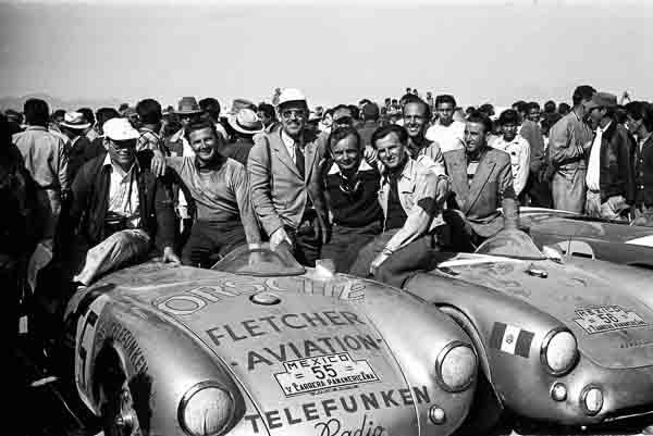 1954, Porsche 550 Spyder, Herbert Linge, Hans Herrmann, Huschke von Hanstein, Jaroslav Juhan (l.-r.), Carrera Panamericana