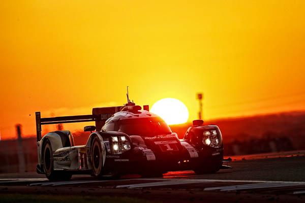 Porsche 919 Hybrid, Porsche Team: Brendon Hartley, Mark Webber, Timo Bernhard