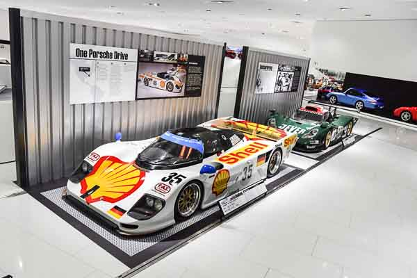 The Porsche museum also uses its motor racing vehicles as brand ambassadors worldwide like the Porsche 911 (996) GT1 that is part of the exhibition for the very first time at all as well as the Porsche 962 Dauer Le Mans GT.
