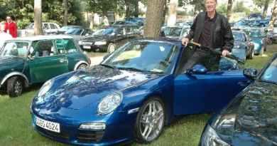 Porsche celebrates motorsport icon Walter Röhrl