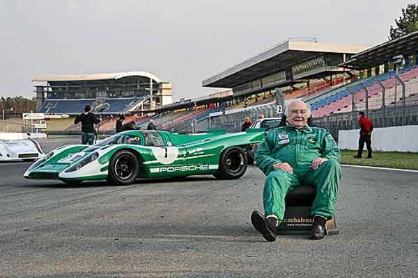 David Piper and hist personal Porsche 917