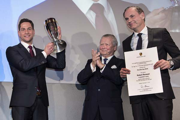 Porsche Cup 2017: Winner Robert Renauer, Dr Wolfgang Porsche (Chairman of the Supervisory Board, Porsche AG), Oliver Blume (Chairman of the Executive Board, Porsche AG)