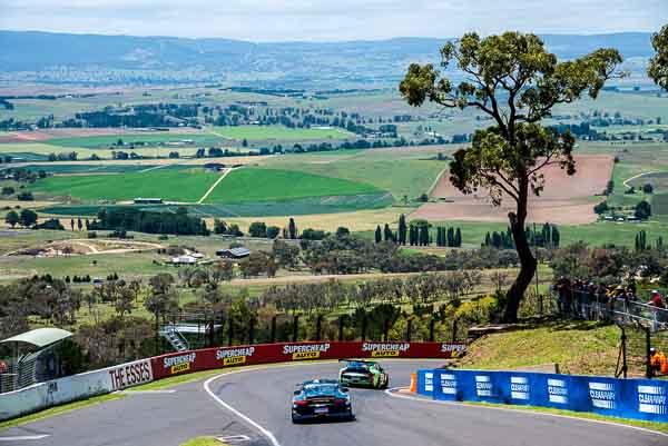 911 GT3R at Bathurst 12H at Mount Panorama Circuit