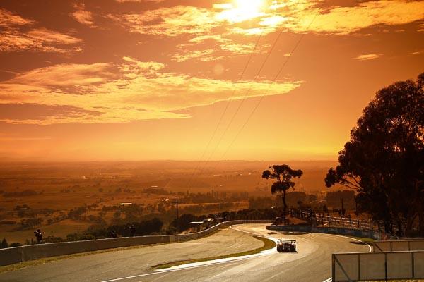 Intercontinental GT Challenge Bathurst 12H Porsche 911GT3 R, Walkinshaw GT3: Earl Bamber, Kevin Estre, Laurens Vanthoor