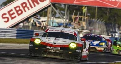 Sebring 12H - Porsche 911 RSR, Porsche GT Team (912): Laurens Va