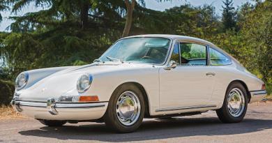 1966 Porsche 911 2.0 SWB Bonhams Chantilly