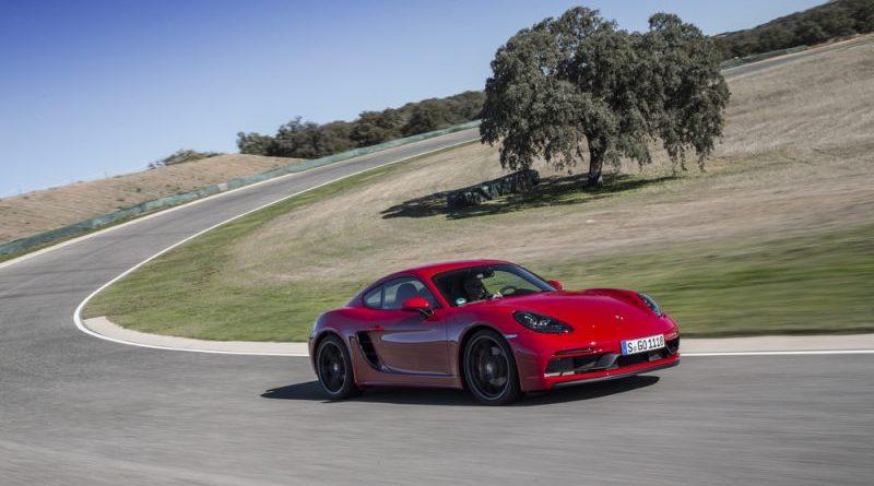 2017 LA Auto Show : world premiere Porsche 718 Cayman GTS