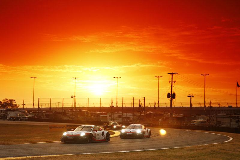 Porsche 911 RSR (912), Porsche GT Team: Earl Bamber, Laurens Vanthoor, Gianmaria Bruni, Porsche 911 RSR (911), Porsche GT Team: Patrick Pilet, Nick Tandy, Frederic Makowiecki 2018/01/25